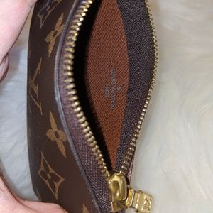 Louis Vuitton Key Pouch / cles
